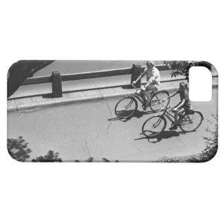 Ciclo del hombre y del muchacho iPhone 5 carcasas