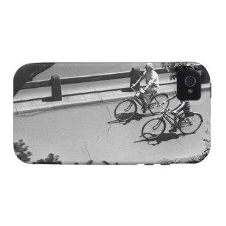 Ciclo del hombre y del muchacho Case-Mate iPhone 4 fundas