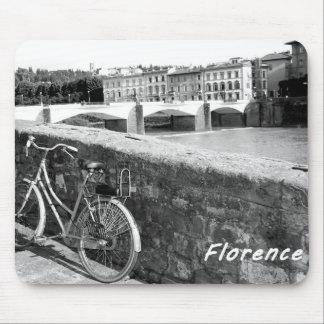 Ciclo en la ciudad italiana de Florencia Mousepad