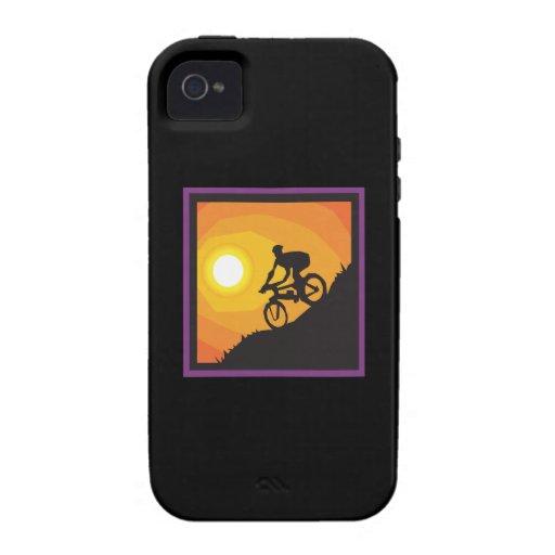 Ciclo en la puesta del sol iPhone 4 carcasa