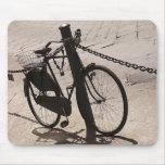 Ciclo Miami de ciclo que monta en bicicleta la Flo Alfombrillas De Ratones