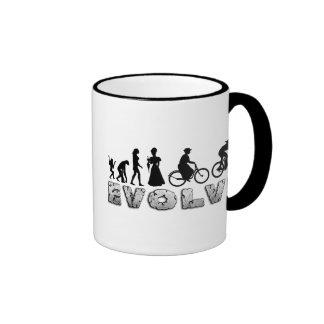 Ciclo para mujer de la evolución taza de dos colores