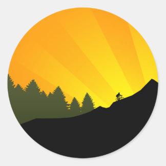 ciclo: rayz de la montaña: pegatina redonda