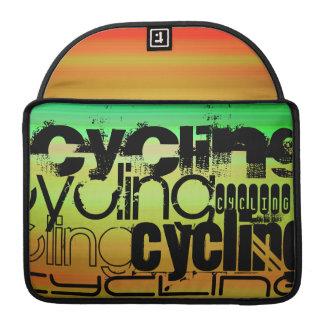 Ciclo; Verde vibrante, naranja, y amarillo Fundas Para Macbooks