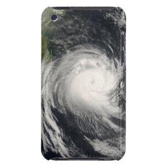 Ciclón tropical Favio que se acerca a Mozambique iPod Touch Case-Mate Coberturas