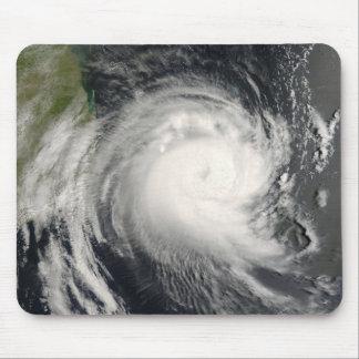 Ciclón tropical Favio que se acerca a Mozambique Mousepads