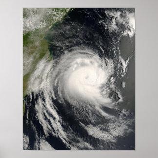 Ciclón tropical Favio que se acerca a Mozambique Póster