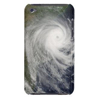 Ciclón tropical Favio sobre Mozambique iPod Touch Cárcasa