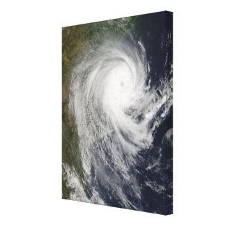 Ciclón tropical Favio sobre Mozambique Lienzo Envuelto Para Galerías