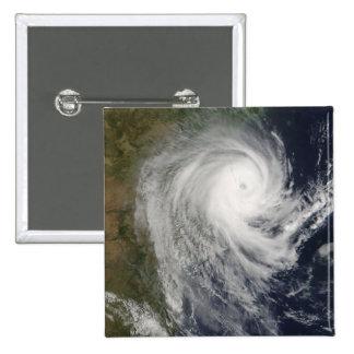 Ciclón tropical Favio sobre Mozambique Pin Cuadrado