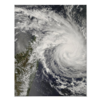 Ciclón tropical Ivan que se acerca a Madagascar Póster