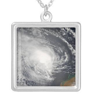 Ciclón tropical Jacob que se acerca a Australia Colgante Cuadrado