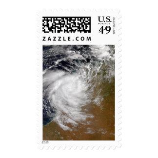Ciclón tropical Magda que viene en tierra en austr