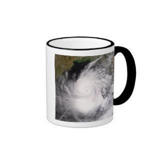 Ciclón tropical Nargis Taza De Dos Colores