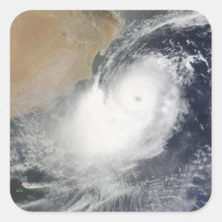 Ciclón tropical Phet en el Mar Arábigo Pegatina Cuadrada