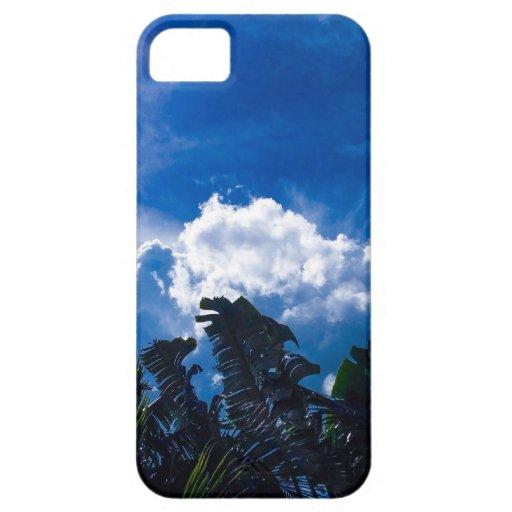 Cielo azul brillante con las nubes iPhone 5 funda