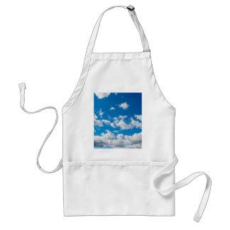 Cielo azul brillante delantal