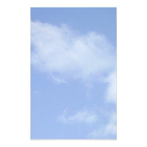 cielo azul claro con las nubes inmóviles papelería personalizada