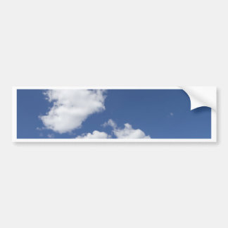 cielo  azul con nubes blancas bumper sticker
