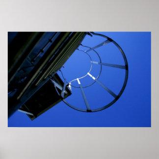 Cielo azul de la escalera del verano