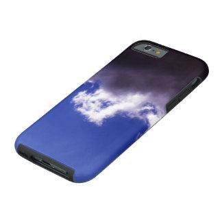 Cielo azul de la nube oscura funda de iPhone 6 tough