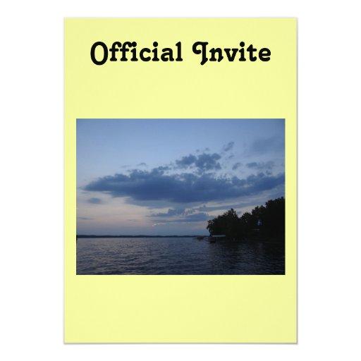 """Cielo azul de la puesta del sol sobre el lago NY Invitación 5"""" X 7"""""""
