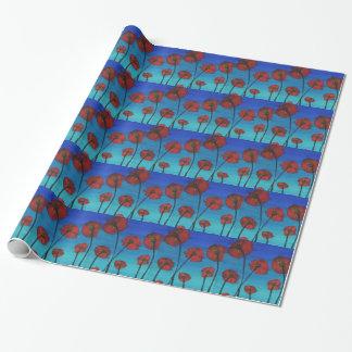 Cielo azul de las amapolas rojas papel de regalo