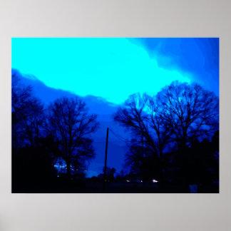 Cielo azul en la noche póster