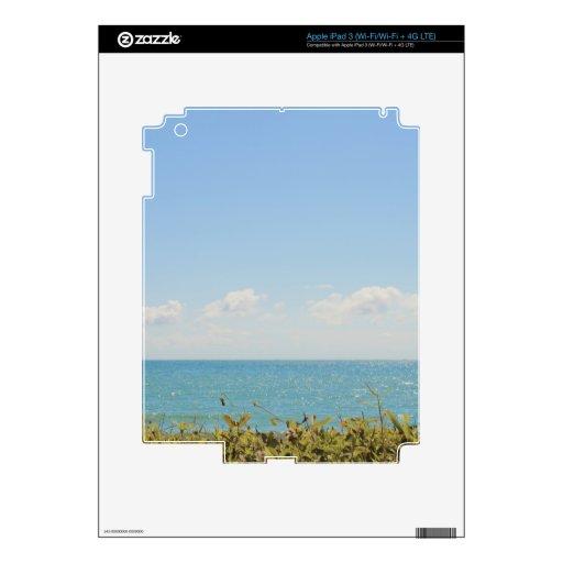 Cielo azul y fotografía pacífica del océano del ma iPad 3 skin