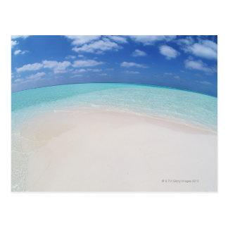 Cielo azul y mar 10 postal