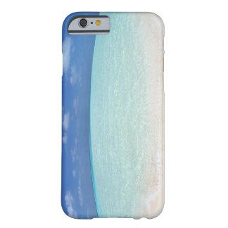 Cielo azul y mar 12 funda para iPhone 6 barely there
