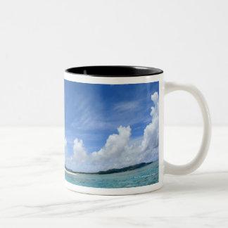 Cielo azul y mar 3 taza de café de dos colores