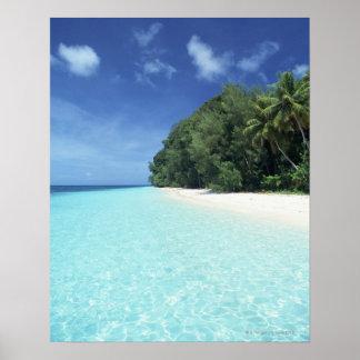 Cielo azul y mar 8 póster