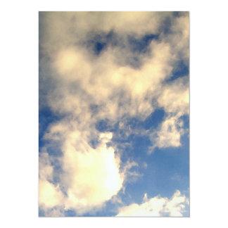 Cielo azul y nubes CricketDiane Invitación 13,9 X 19,0 Cm