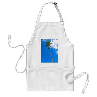 Cielo azul y palmera delantal