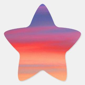Cielo colorido del arco iris de la salida del sol pegatina en forma de estrella