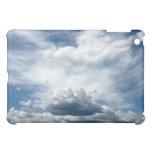 Cielo con la caja de la mota de las nubes