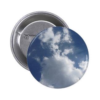 Cielo con las nubes pin redondo 5 cm