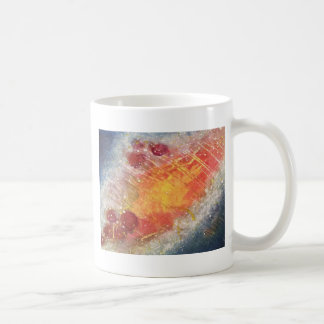 Cielo cósmico con la pintura abstracta de las taza básica blanca