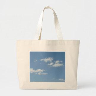 Cielo de azules claros Wispy de las nubes Bolsa Tela Grande