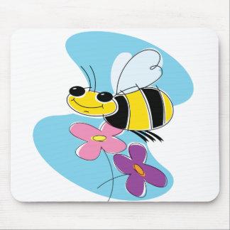 Cielo de la abeja de la primavera tapetes de ratones