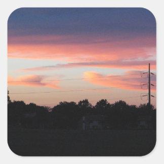 Cielo de la puesta del sol pegatina cuadrada