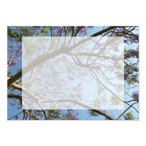 cielo de las flores de las ramas de árbol del invitacion personalizada