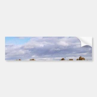 Cielo de las nubes etiqueta de parachoque