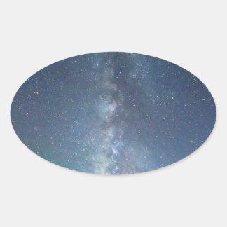 Cielo de octubre de la vía láctea calcomanías óvales