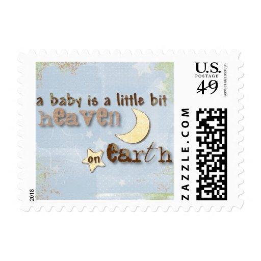 Cielo del bebé en la tierra sellos postales