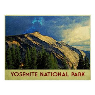 Cielo dramático de Yosemite Postal