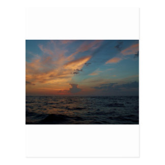 Cielo dramático tarjeta postal