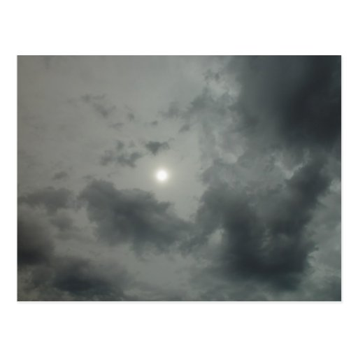 """Cielo extranjero"" Sun nebuloso con dos capas de l Postales"