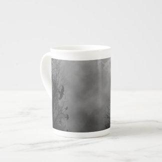Cielo gótico frecuentado taza de porcelana